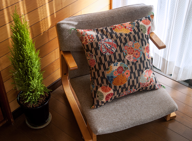Japanese-Handmade-Cushion-of-Chair